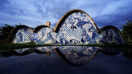 4mai2012---igreja-de-sao-francisco-de-assis-projetada-por-oscar-niemeyer-e-com-paineis-de-candido-portinari-na-pampulha-em-belo-horizonte-o-conjunto-foi-idealizado-e