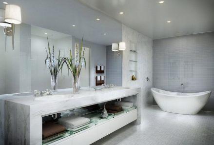casa-de-banho-moderna-de-marmore