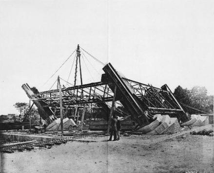 18 de julho de 1887 : início da montagem do pilar 3