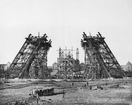 7 de dezembro de 1887 : montagem da parte inferior