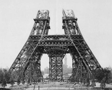 15 de maio de 1888 : montagem dos pilares em cima do primeiro andar