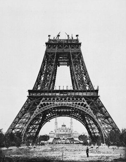 21 de agosto de 1888  : montagem da segunda plataforma