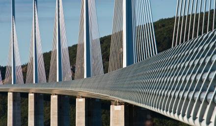 THE_Utterly_Amazing_Millau_Viaduct
