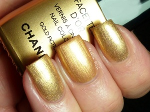 chanel-gold-fingers5